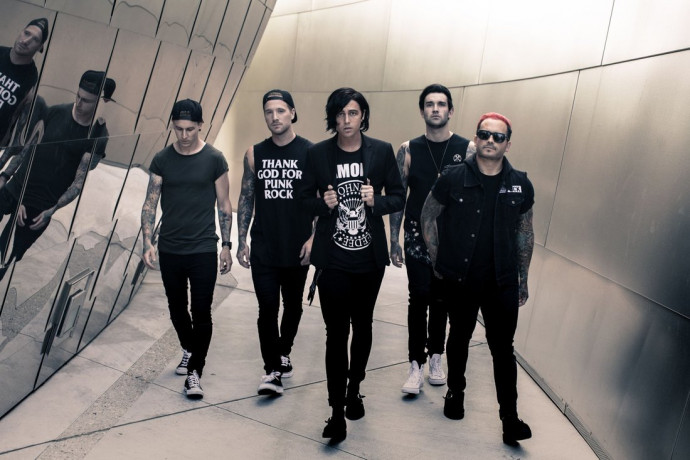 """Sleeping With Sirens Release New Track """"Break Me Down"""""""