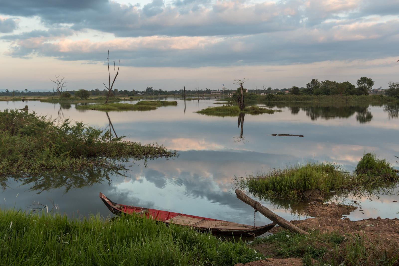 cambodia-photo-tours-ta-mok-lake-1