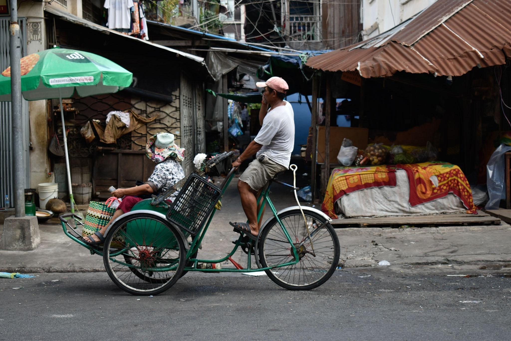 De Rickshaws in Phnom Penh