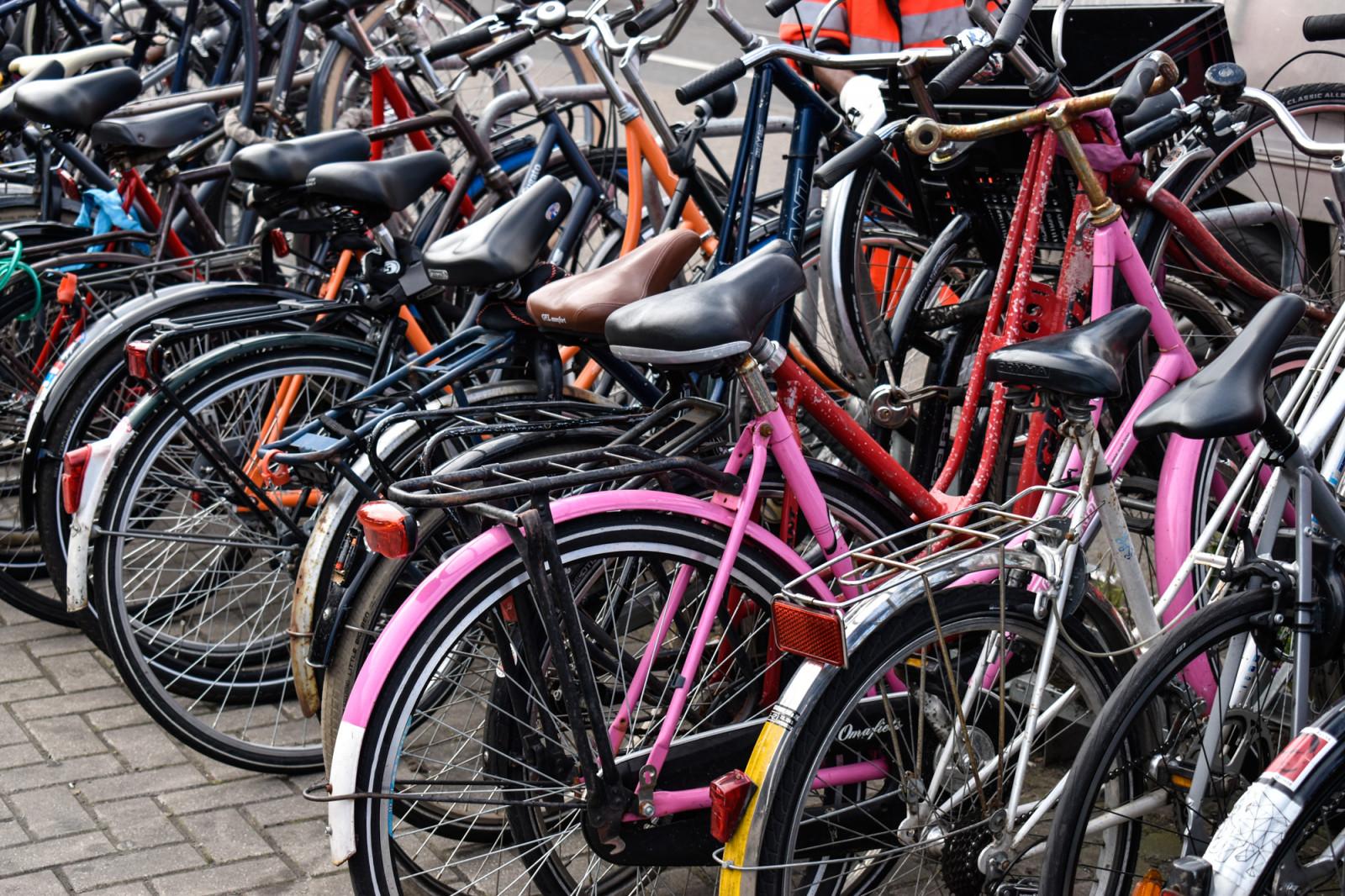 bicicletas-de-colores-en-amsterdam